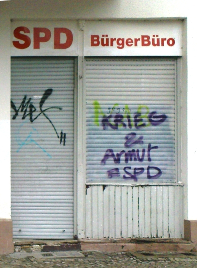 Graffiti gegen SPD und Felgentreu