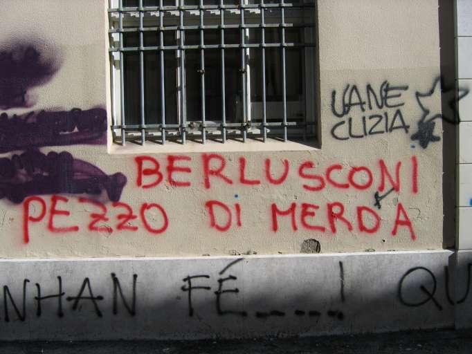 Berlusconi, pezzo die merda
