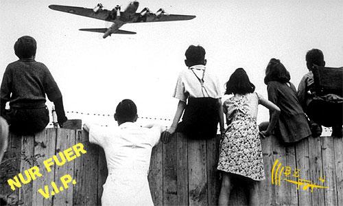 Tempelhof als Weltkulturerbe - Nur fuer VIPs - Regierungs- und Rettungsflughafen - Be 4 Tempelhof Scheisse